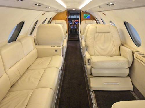 Falcon 20F Performance, Specifications and Comparisons